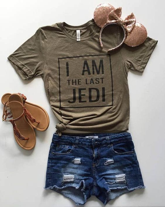 24 Star Wars Gifts that Every T Shirt AF18M0